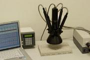 凹凸試料の色も測定する「高速非接触インライン測色システム」