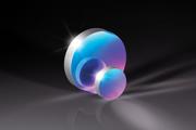 特定設計波長で78%以上の反射率をもつ精密紫外用ミラー