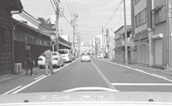 (a)実際のカメラ画像 図1 車載カメラ画像における物体認識